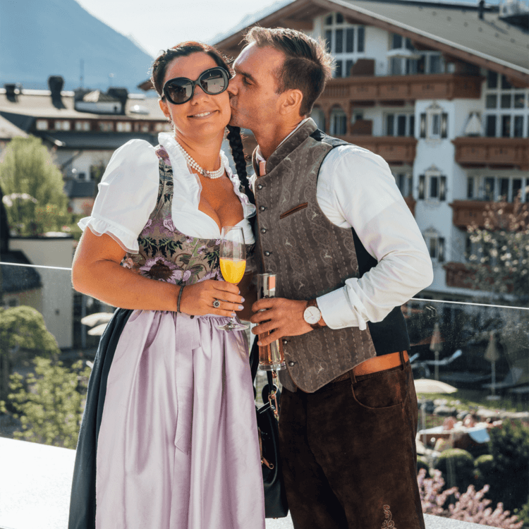 Kissing Couple - Stressfree Weddings in Austria by Sandra M