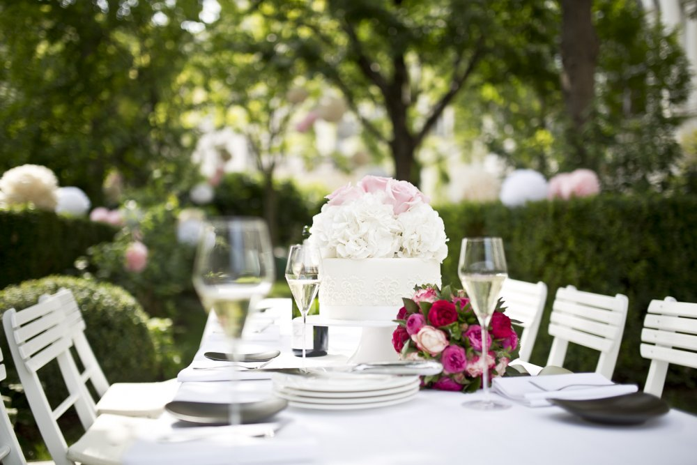 luxury wedding vienna austria palais coburg garden wedding table