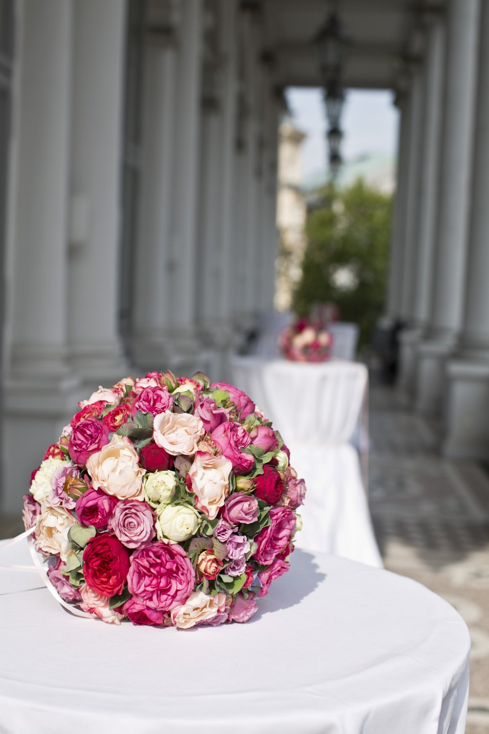 luxury wedding vienna austria palais coburg bridal bouquet