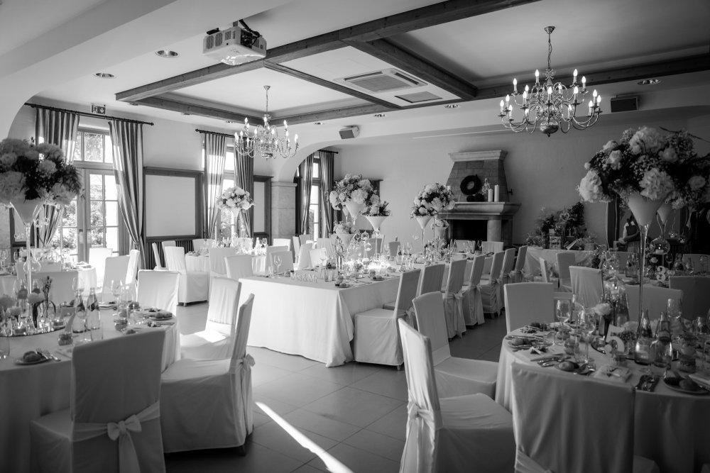 Castle Wedding Austria vineyard Weingut Thaller table decor