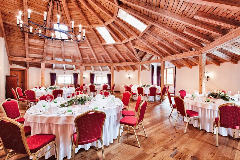 Castle wedding Austria Alps Schloss Mittersill Auditorium