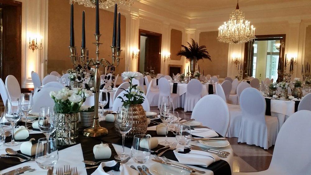 wedding location Salzburg Kavalierhaus Klessheim inside