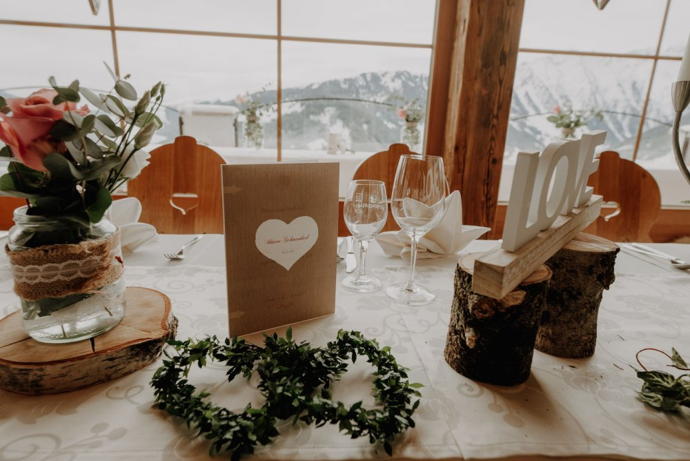 mountain wedding zillertal tyrol table decor