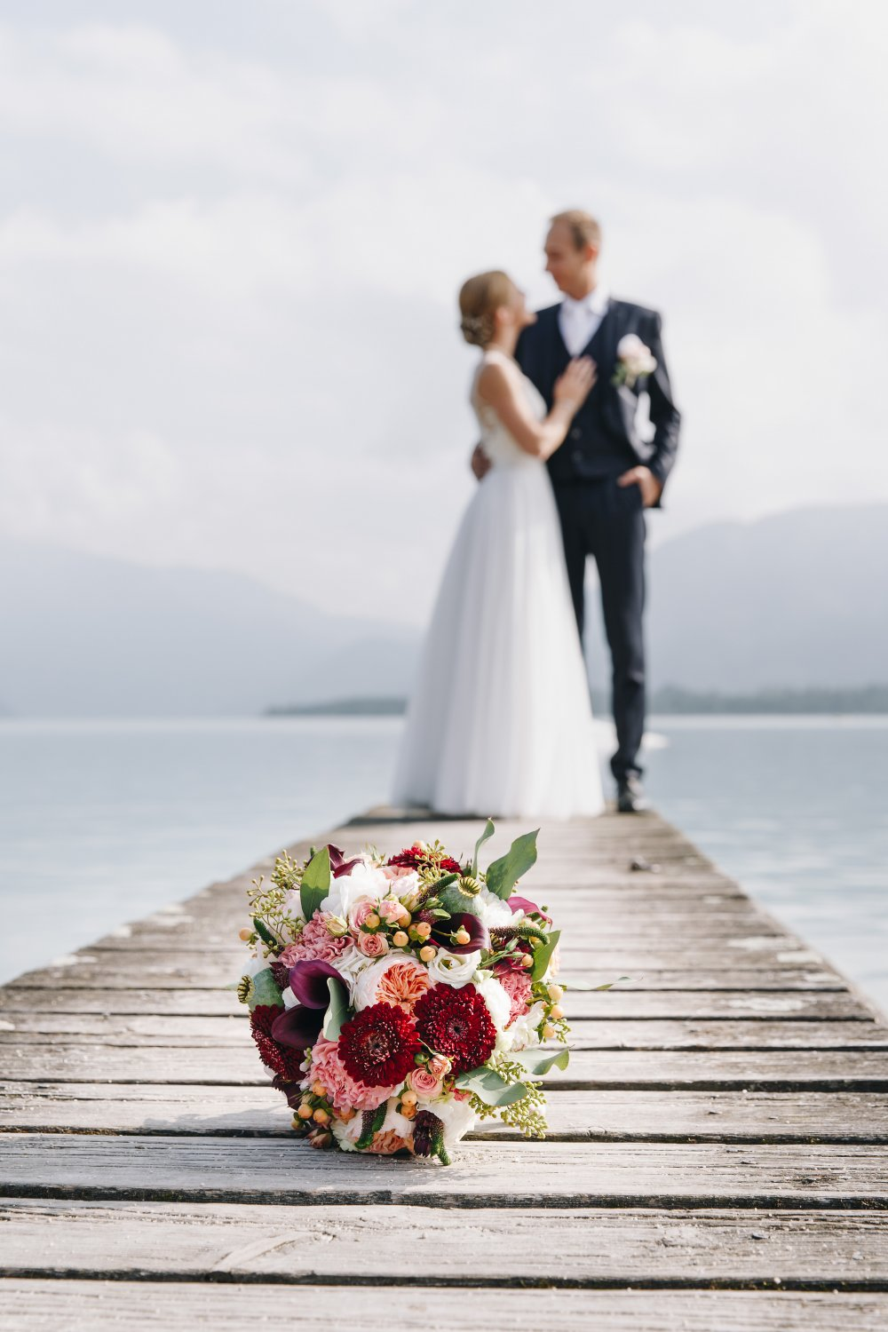 Salzkammergut Wedding Schlosshotel Mondsee couple bouquet