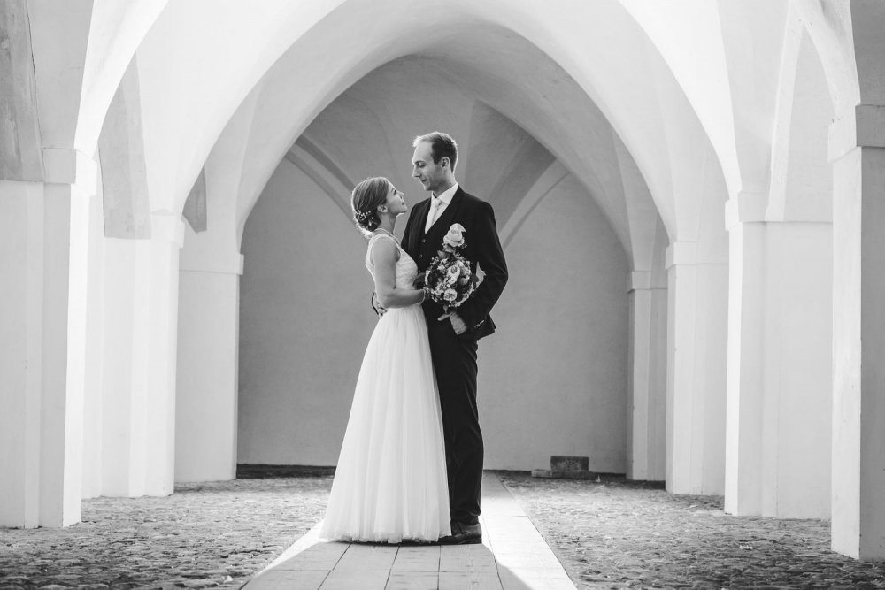 Salzkammergut Wedding Schlosshotel Mondsee couple bw