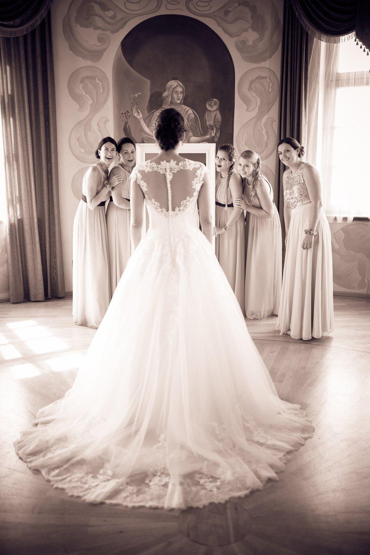 Castle Wedding Austria vineyard Weingut Thaller bride