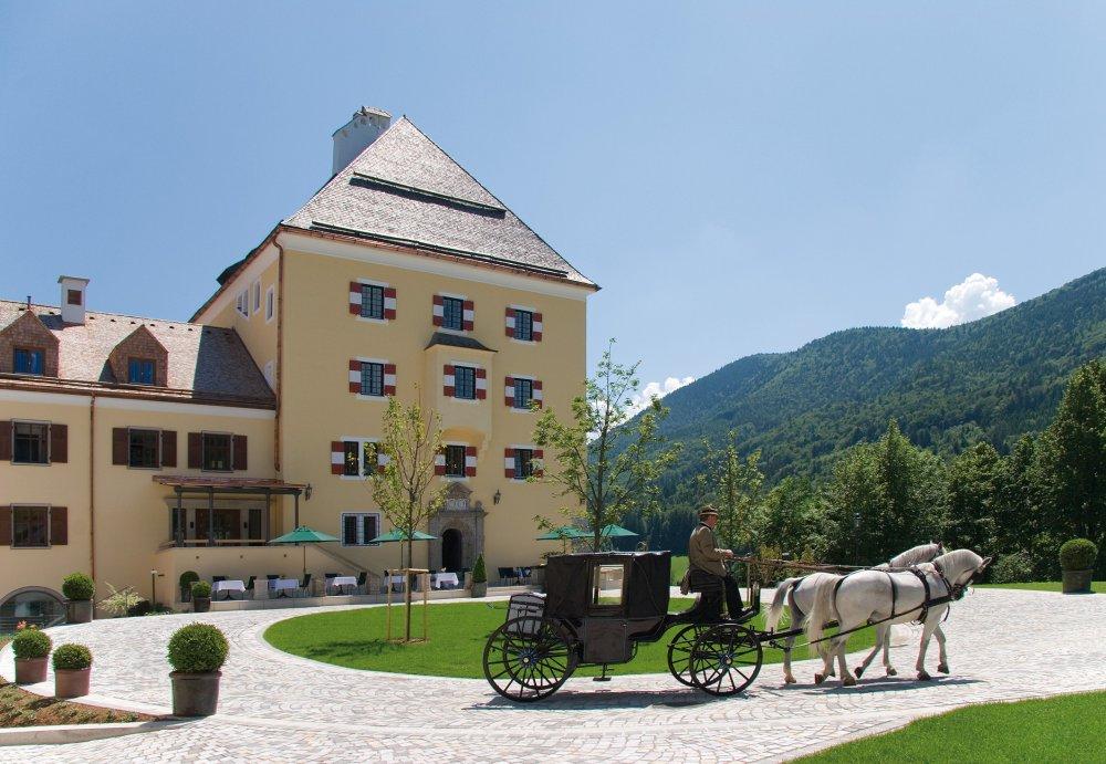 Lake Wedding Salzburg Austria Schloss Fuschl horse carriage