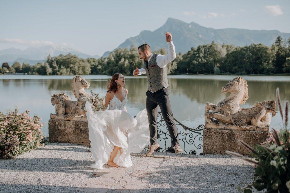 fairy-tale wedding salzburg schloss leopoldskron jump
