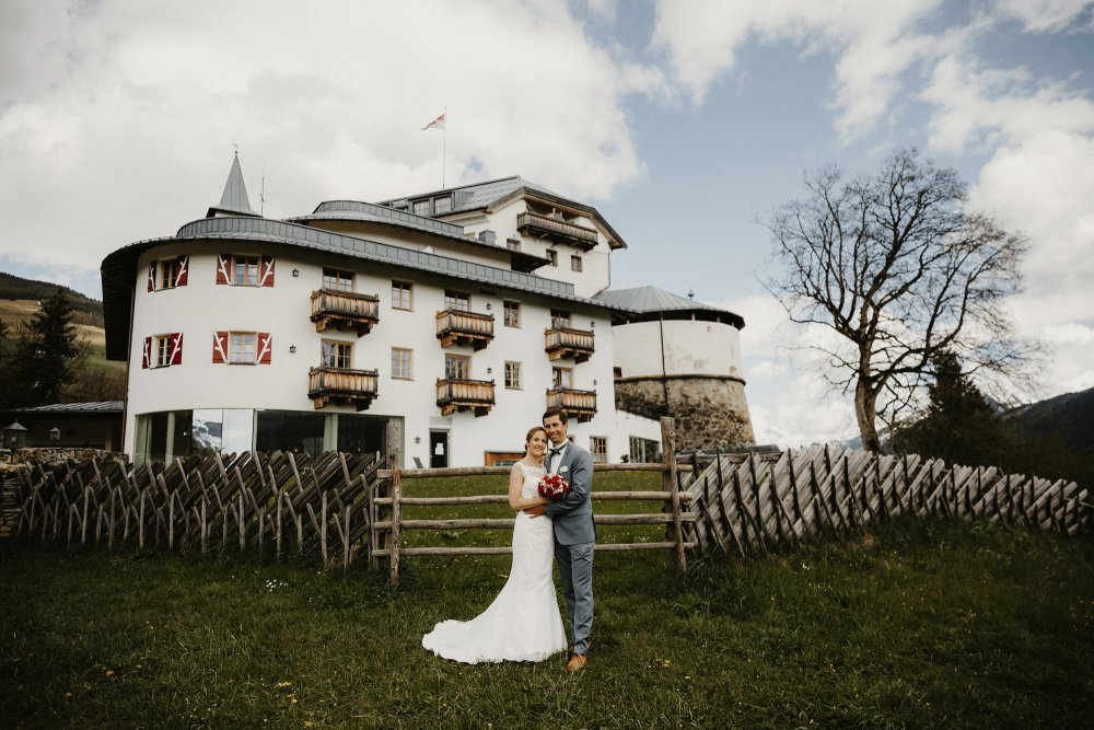 Castle wedding Austria Alps Schloss Mittersill in front of castle